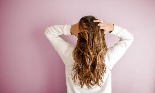 Jedwab do włosów – jak go stosować?